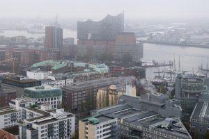 Dicke Luft in Hamburg? Dieselfahrverbote sollen in der Hansestadt für die Einhaltung der CO2-Grenzwerte sorgen.